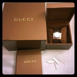 💯% Auth Gucci Twirls Mother of Pearl Dial Watch
